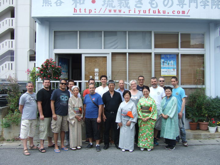 フランスからての研修で来県。学院でお茶体験をしました。 師範先生他15名参加しました。